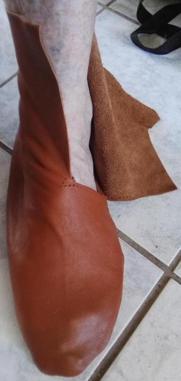 1778376741_chaussure_enfile.thumb.jpg.1e9ed0cffaa2f15310213f9543cf9b30.jpg